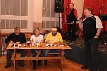 Šestý ročník soutěže O nejlepší uzený bůček v Lužné na Hornolidečsku; sobota 10. prosince 2016;
