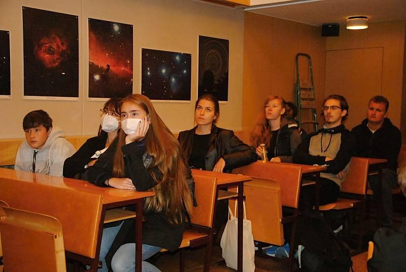 Valašskomeziříčská hvězdárna se v pátek 24. září 2021 zapojila do celorepublikové Noci vědců. Hlavním tématem programu byl čas