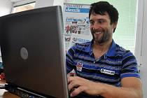 Hostem on-line rozhovoru v redakci Valašského deníku byl ve čtvrtek 19. září 2013 byl reprezentant České republiky v lyžování Martin Vráblík