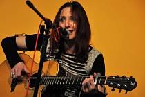 V klubovně Koordinačního a informačního centra ve Vsetíně koncertovala ve středu 11. dubna 2012 skupina Bokomara společně s Petrou Šany Šanclovou