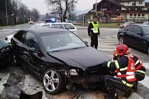 Mladá řidička se zranila při nehodě, kterou zavinila.