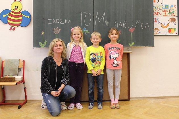 Základní škola Police; třídní učitelka Lucie Kristová; prvňáčci: Tereza Mikulenková, Tomáš Kašík, Marie Machurová