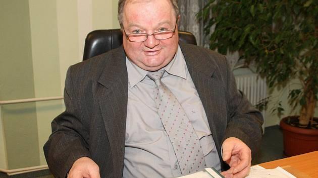 Ředitel společnosti Kovar z Leskovce tráví v práci i v důchodém věku minimálně deset hodin denně. Svátky nejsou překážkou.
