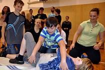 Studentky Střední a vyšší odborné školy zdravotnické ze Vsetína zavítaly v úterý 4. června 2013 do Základní školy v Růžďce.