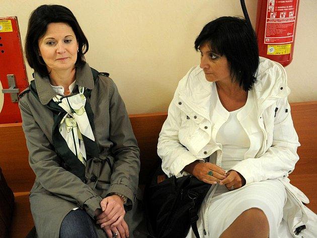 U krajského soudu v Ostravě probíha soudní jednaní Čunek – Urbanová.Na snimku zpravá Klara Samková a Marcela Urbanová