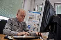 Předseda Českého svazu bojovníků za svobodu ve Vsetíně Miroslav Mikulčák odpovídá ve čtvrtek 16. dubna 2015 v online rozhovoru na otázky čtenářů Valašského deníku.