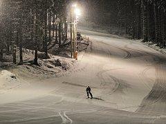 Noční lyžování na Razule.