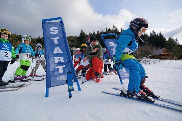 Dětské lyžařské závody na Razule.