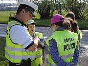 Smíšené hlídky policistů a školáků kontrolují ve Valašském Meziříčí a Brankách řidiče; úterý 24. dubna 2018