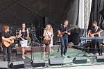 Kapela Devítka vystupuje v sobotu 3. srpna 2019 na 21. ročníku třídenního country festivalu Starý dobrý western na scéně Letní kino u přehrady Bystřička na Vsetínsku.