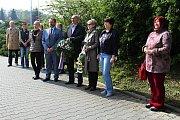 Konec druhé světové války a osvobození města si ve Valašském Meziříčí připomněli pietním aktem, který se uskutečnil v pátek 5. května u pamětní desky na místní městské knihovně.