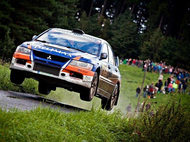 Barum rally 2010: valašská posádka Miroslav Jakeš – Tomáš Jakeš na voze Mitsubishi Lancer EVO IX.