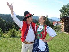 Tanečníci Roman Diblík a Johana Ficová z FS Jasenka Vsetín na folklorním festivalu Léto na Soláni, který se uskutečnil v pátek a sobotu 10. - 11. srpna 2018.