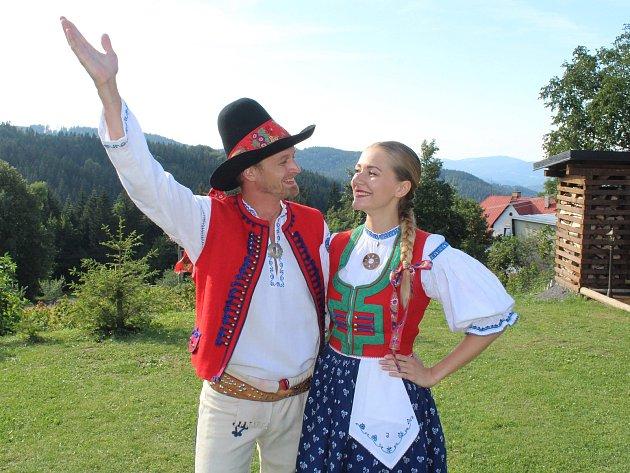 Tanečníci Roman Diblík a Johana Ficová zFS Jasenka Vsetín na folklorním festivalu Léto na Soláni, který se uskutečnil vpátek a sobotu 10. - 11.srpna 2018.
