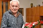 Starosta Robert Stržínek a místostarostka Yvona Wojaczková navštívili Františka Zavadila, posledního předsedu městského národního výboru Valašské Meziříčí. Pogratulovali mu k významnému životnímu jubileu, které oslavil ve čtvrtek 14. května.
