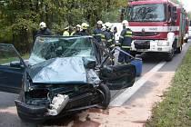 Nehoda u Hrachovce zablokovala hlavní tah z Valašského Meziříčí na Rožnov pod Radhoštěm.