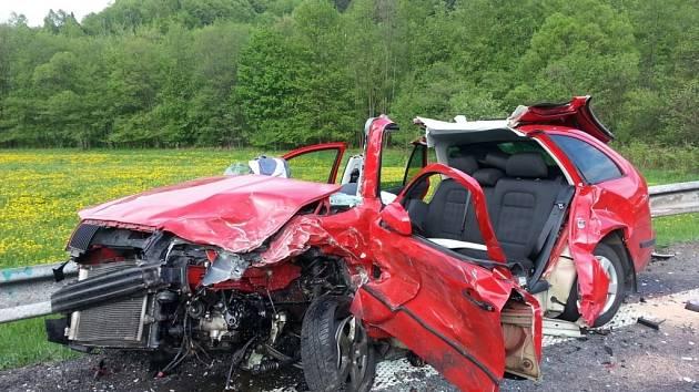 Dopravní nehoda u Lužné.