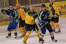 Hokej Vsetín (ve žlutém) - Přerov