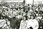 Revoluční nálada v listopadu 1989 ve Vsetíně.