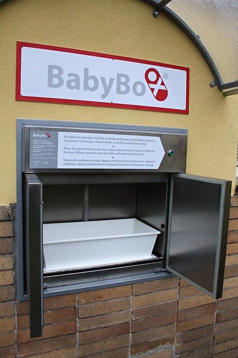 Nový babybox instalovaný 22. listopadu 2018 v areálu Vsetínské nemocnice.