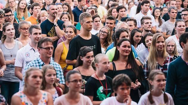 Návštěvníci festivalu United ve Vsetíně.