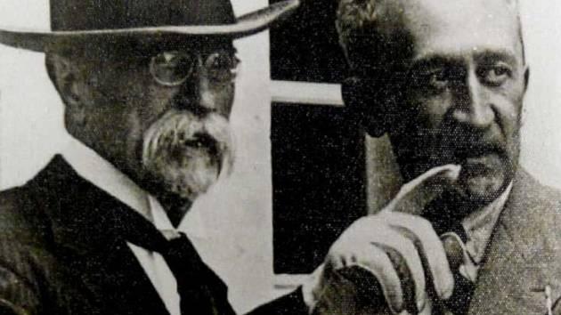 Tomáš Garrigue Masaryk a Otakar Dorazil na zámku v Bukovanech, rok 1933.
