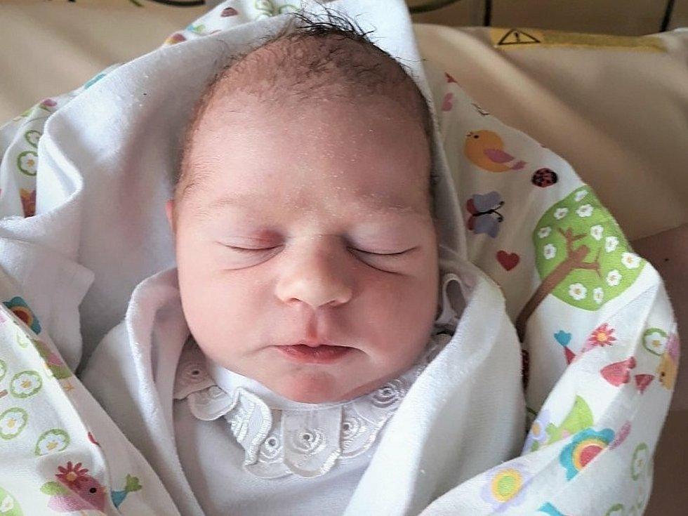 Lukáš Bouchalík, Bystřice pod Hostýnem, narozen 24. června ve Valašském Meziříčí, míra 49 cm, váha 3000 g