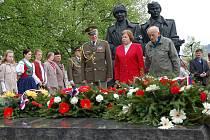 Ve Vsetíně na Náměstí Osvobození si v úterý 4. května připomněli 65. výročí osvobození města.