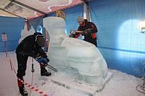 Na Pustevnách se o víkendu konal 14. ročník sochařské soutěže Sněhové království.