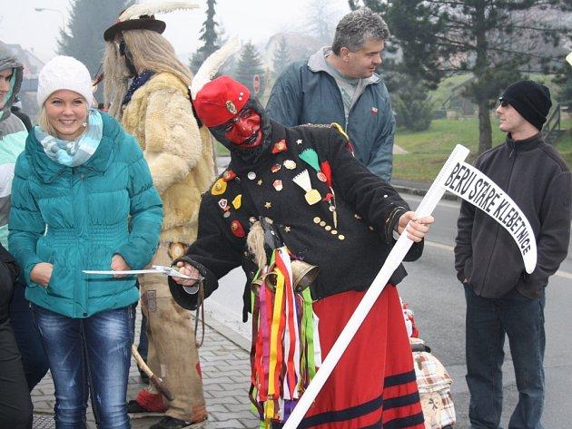 V Horní Lidči chodí turecký voják, který jede na kobyle. Symbolizuje vpád tureckého vojska na jejich území.