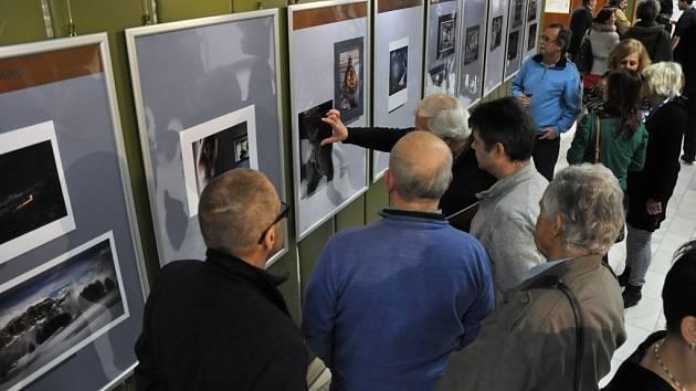 Slavnostní zahájení 28. ročníku bienále mezinárodního fotosalonu s nejdelší tradicí v České republice – Interfotoklubu Vsetín; kino Vatra ve Vsetíně, sobota 31. ledna 2015