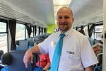Společnost Arriva zavítala v pátek 12. července na Vsetín, aby budoucím cestujícím představila své soupravy. Cestujícím podával informace stevard Tomáš Vrba.
