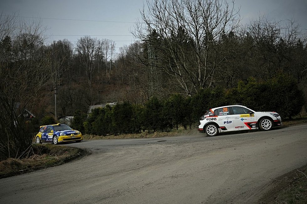 Automobilová soutěž 39. ročník Kowax Valšská rally pokračovala v neděli 2. etapou. Zde průjezdy z odpoledních průjezdů.