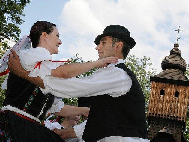 Jánošikov dukát v Rožnově - temperamentní soubor Sálašan z Rumuns