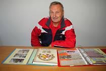 """Sedmdesátiletý Antonín Juříček ze Vsetína je kronikářskou ikonou. Tento """"notorický sběrač historických dat"""" založil nebo vedl za svůj život desítku kronik či pamětních knih."""
