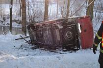 Dopravní nehoda u Velkých Karlovic.