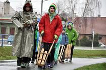V Poličné u Valašského Meziříčí na Zelený čtvrtek tradičně vyrazili klapotáři.