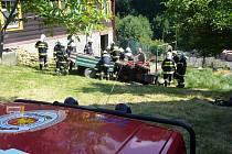 Záchrana muže zavaleného traktorem v Kateřinicích