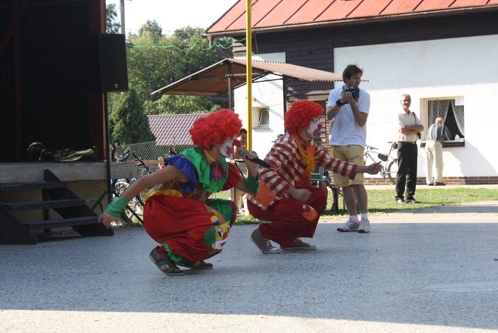 Sto let dechové hudby oslavovali ve Valašské Polance. Návštěvníkům na slavnostech zahrála kapela Polančanka, Lidečanka a dechová hudba z Horní Bečvy.