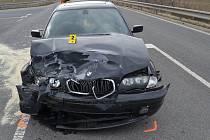 Nedání přednosti v jízdě bylo příčinou nedělní dopravní nehody u Ratiboře. Řidič a spolujezdkyně utrpěli lehká zranění