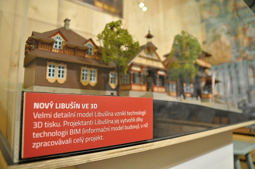 Detailní model obnovené chaty Libušín na Pustevnách vzniklý technologií 3D tisku; Valašské muzeum v přírodě v Rožnově, Sušák, 1. patro, srpen 2020