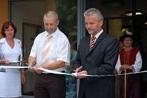 Slavnostního zakončení rekonstrukce rožnovského domova pro seniory se v pondělí (7.7.2008) zúčastnil také hejtman Zlínského kraje Libor Lukáš