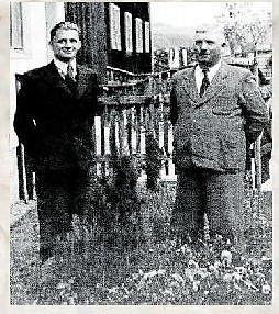 Majitelé továrny na zpracování dřeva Adolf Kubíček (vlevo) a Jan Zubíček v roce 1942.