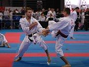Karatista Martin Káčer ze Vsetína se karate věnuje od svých pěti let. Na svém kontě má řadu úspěchů. V roce 2016 se stal mistrem světa v kumite. Je také trenérem, technikám karate učí nejmenší děti.