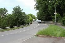 Začátkem června začnou silničáři opravovat cestu vedoucí od křižovatky u Růžičků na Sychrov. Nejprve pod částečnou uzavírkou, od 19. června do 20. září úplnou.