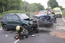 Srážka dvou osobních vozidel, ke které došlo na hlavní cestě u Stříteže nad Bečvou.