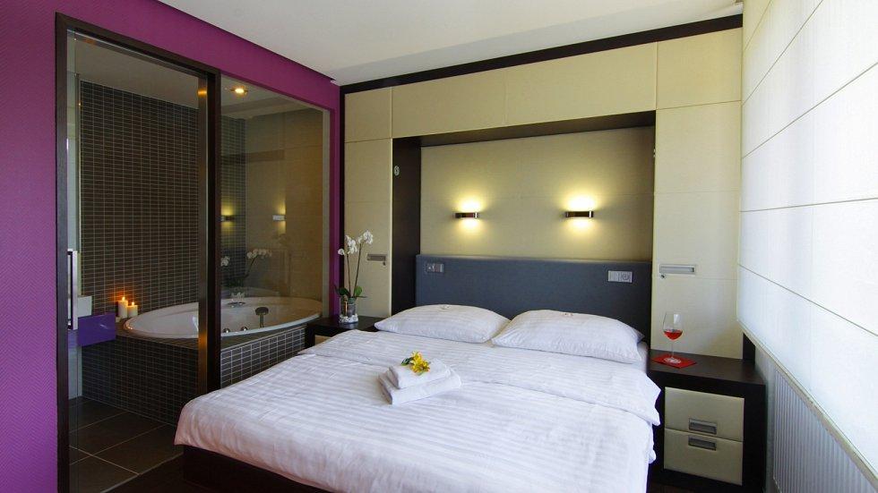 Pokoj suite spa v hotelu Lanterna.