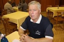 Vášnivý zahrádkář Tomáš Zahradníček pálí svoje jablka už pětatřicet let.