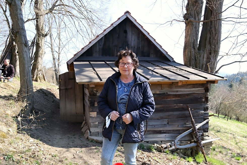 Jedna z vytipovaných sušáren ovoce stojí ve vsetínské místní části Potůčky. Její hrdou majitelkou je paní Hrušková.