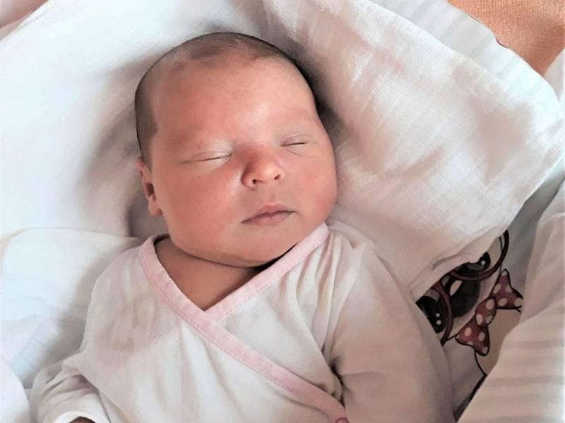 Nela Květoňová, Vidče, narozena 7. července 2021 ve Valašském Meziříčí, míra 48 cm, váha 3300 g